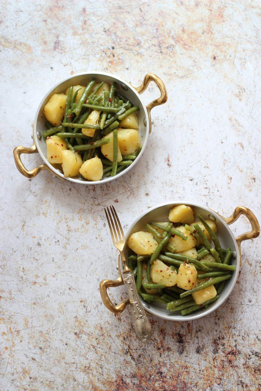 Patate dhe bishtaja me qep dhe soja